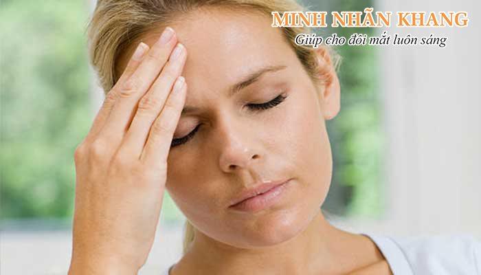 Đau nhức đầu là dấu hiệu bệnh tăng nhãn áp rất thường gặp